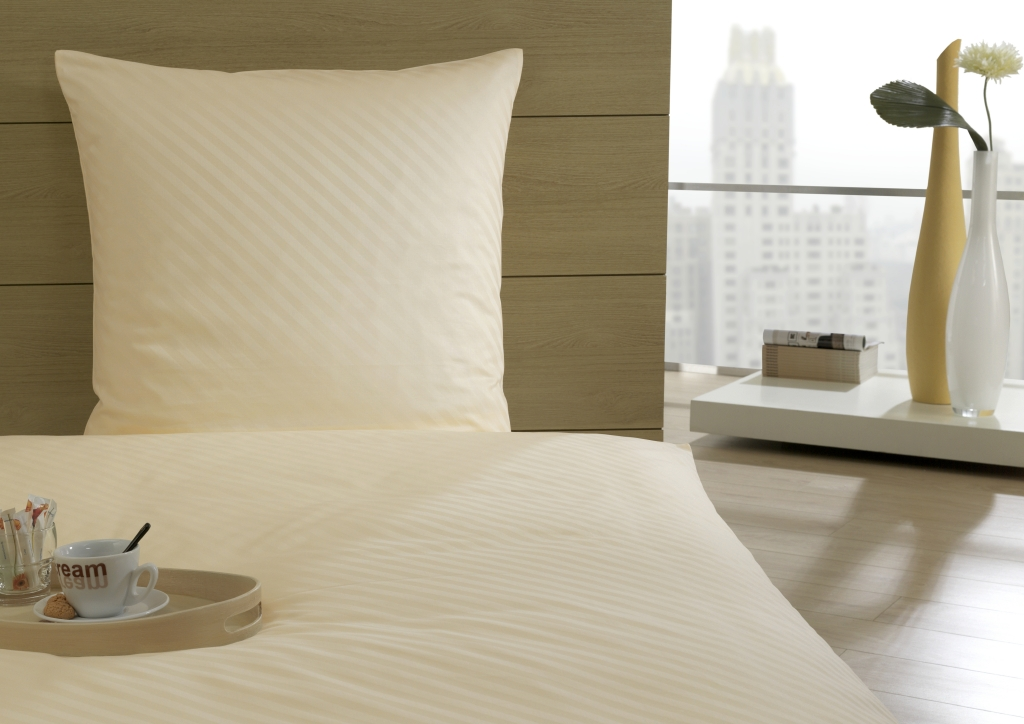 Pastellfarbene Bettwäsche mit Streifen