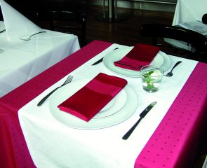 Tischwäsche rot/weiß