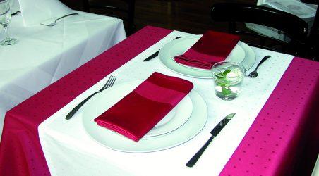 Tischwäsche rot / weiß